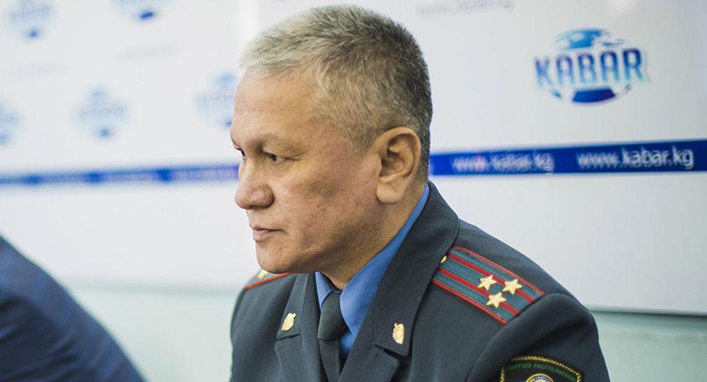 Начальник Главного управления патрульной милиции Эркин Баев на пресс-конференции