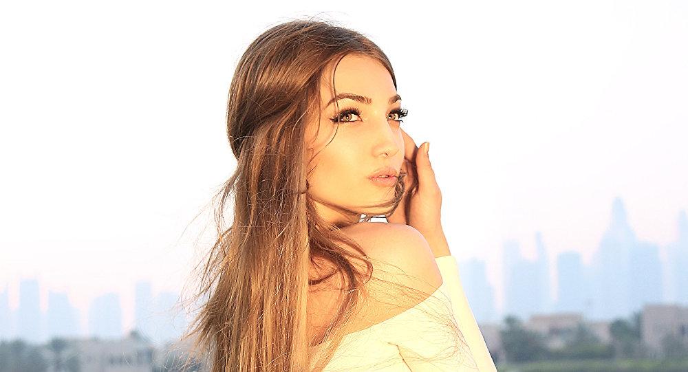 Архивное фото кыргызстанской модели Карины Малой