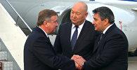Красной дорожкой и рукопожатием встретили премьера Беларуси в аэропорту