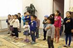 Москва. Мигранттардын балдарын бекер окуткан Нургүл. Чечилбеген маселе жок