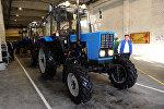 Собранные трактора на сборочном цехе тракторов и сервисном центр по обслуживанию сельхозтехники в Бишкеке