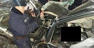 Поврежденные автомобили в результате крупного ДТП в тоннеле им К. Кольбаева на перевале Тоо-Ашуу
