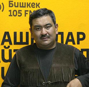 Актёр Аскат Сулаймановдун архивдик сүрөтү