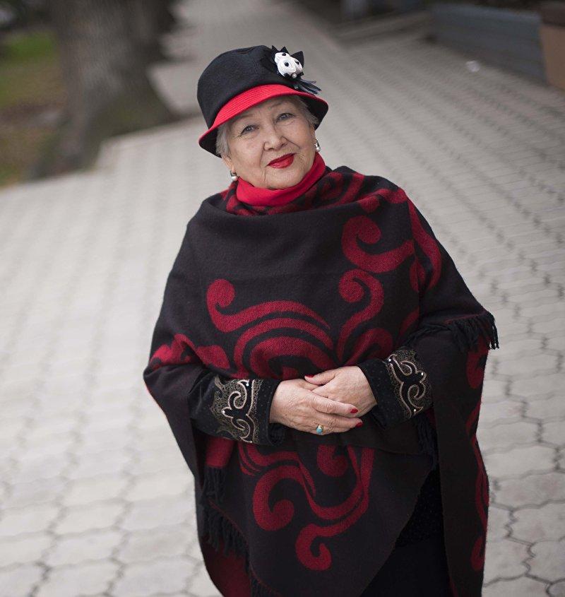 Народная артистка Кыргызстана, оперная певица Дарика Жалгасынова во время фотосета