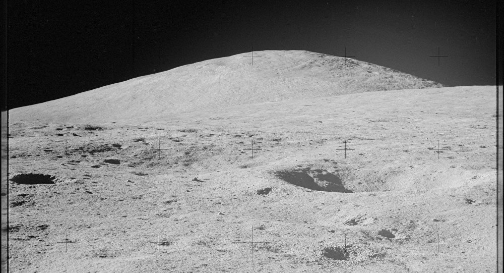 Лунный ландшафт. Архивное фото