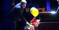 Олега Попова похоронят в клоунском костюме