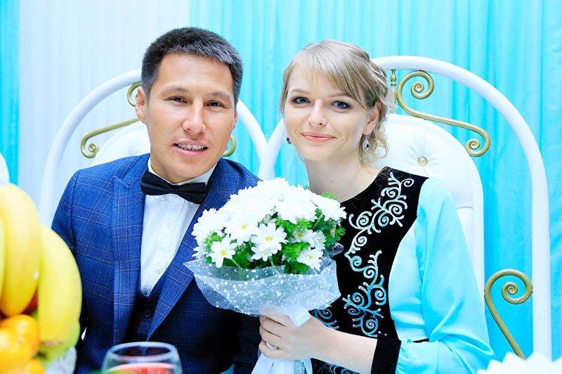 Супруги кыргызстанец Уларбек Бакырдинов и латышка Анастасия Озерска
