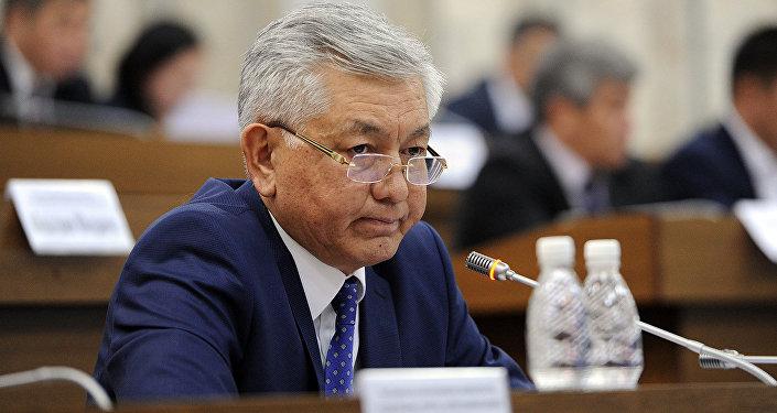 Лидер парламентской фракции СДПК Иса Омуркулов. Архивное фото