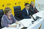 Депутат от фракции СДПК Дастан Бекешев на пресс-конференции Sputnik Кыргызстан