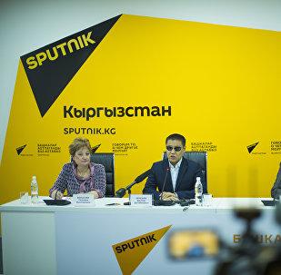 Пресс-конференция по вопросу запрета продажи алкоголя после 22.00 в мультимедийном пресс-центре Sputnik Кыргызстан