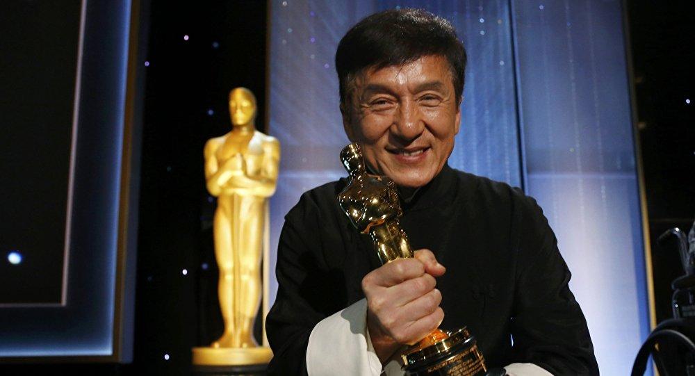 Джеки Чану вручили почетный «Оскар» завклад вкиноискусство