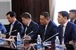 Премьер-министр Сооронбай Жээнбеков өкмөттүн жаңы курамы менен жумушчу жыйын өткөрдү