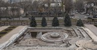 Ворота у здания Жогорку Кенеша. Архивное фото