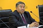 Бывший президент Ассоциации нефтетрейдеров Кыргызстана, доктор экономических наук Жумакадыр Акенеев в мультимедийном пресс-центре Sputnik Кыргызстан