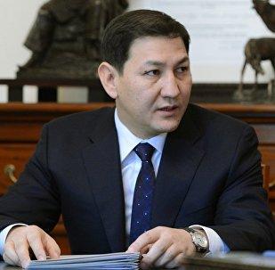 Улуттук коопсуздук мамлекеттик комететтин төрагасы Абдил Сегизбаевдин архивдик сүрөтү