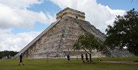 Храм Кукулькана в доколумбовом городе Чичен-Ице цивилизации майя в Мексике. Архивное фото