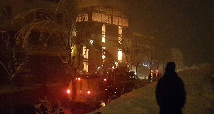 Пожар на аквапарке Ала-Тоо в Бишкеке. Архивное фото