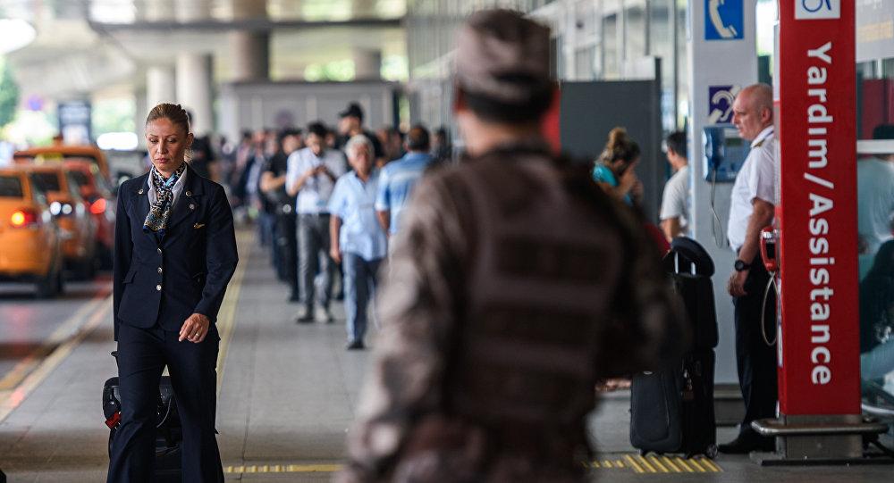 Ваэропорту Турции схвачен кыргыстанец иего друзья с $9,5 млн