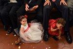 Дети на свадьбе. Архивное фото