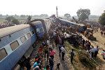 Индияда жүргүнчүлөрдү ташыган поезддин 14 вагону рельстен чыгып кеткендигинин кесепети