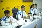 Участники танцевального коллектива Тумар на пресс-конференции в мультимедийном пресс-центре Sputnik Кыргызстан