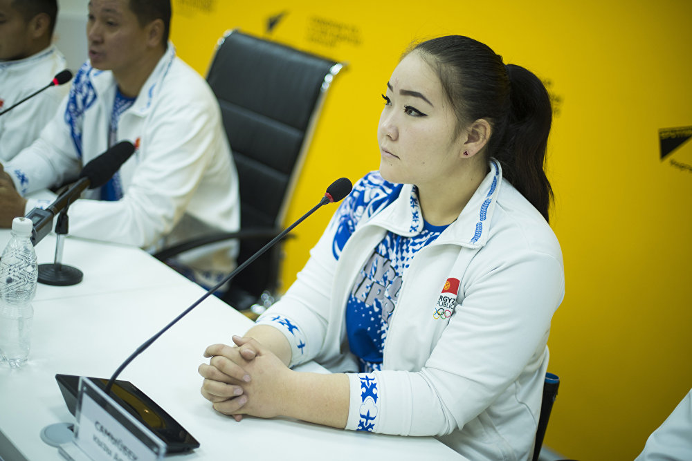 Пресс-конференция в поддержку танцевального коллектива колясочников Тумар в мультимедийном пресс-центре Sputnik Кыргызстан