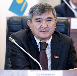 Архивное фото депутата Жогорку Кенеша от фракции Республика — Ата-Журт Экмата Байпакбаева
