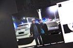 Facebook социалдык тармагынан КОМПРОМАТ КГ группасынан тартылып алынган кадр. криминалдык төбөл Азиз Батукаевге окшош кишинин Манас аэропортунун аймагынан тартылган сүрөтү