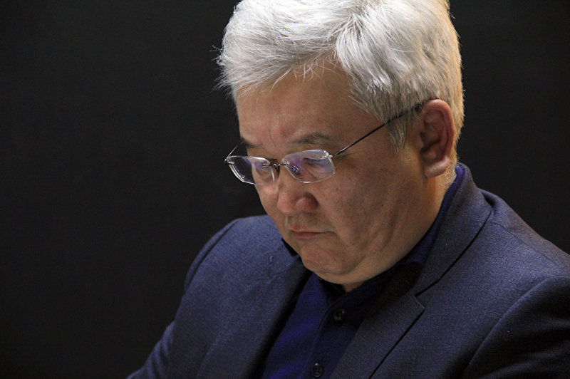 Председатель правления кыргызско-российского Фонда развития Кубанычбек Кулматов во время интервью на радио Sputnik Кыргызстан