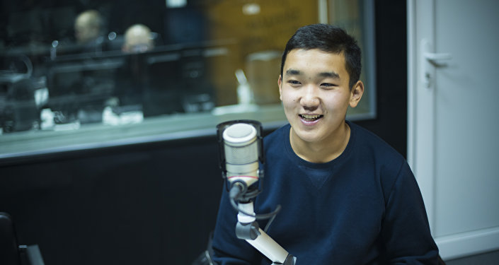 17-летний бизнесмен Дастан Абиков во время интервью радио Sputnik Кыргызстан