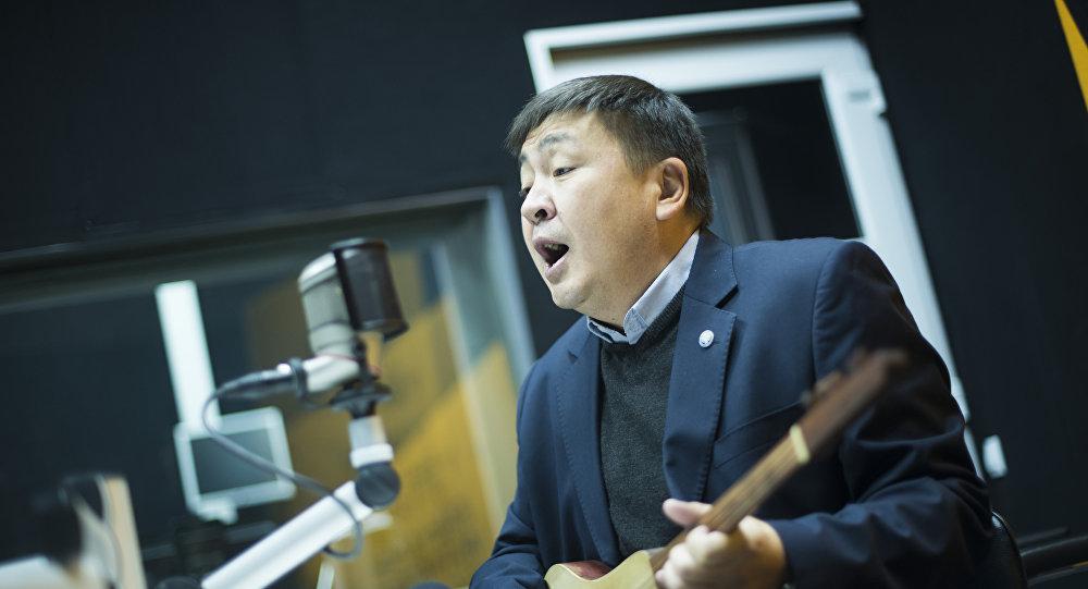 Народный артист Кыргызстана, акын Элмирбек Иманалиев. Архивное фото