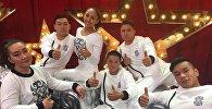 Архивное фото танцевальной группы на колясках Тумар