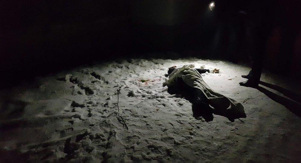Борбор калаадагы көп кабаттуу үйлөрдүн бешинчи кабатынан учуп түшкөн киши мүрт кетти.