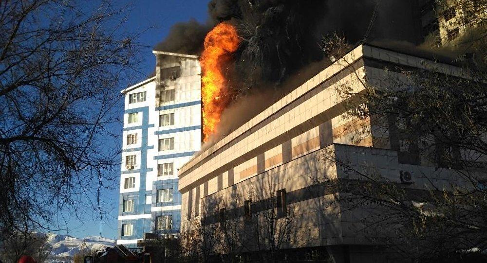 Бишкек шаарынын 7-кичи районундагы менчик мектепте өрт чыкты