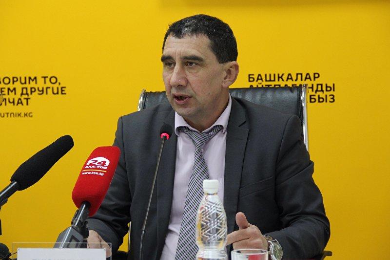 Директор столичного департамента по профилактике заболеваний Центра государственного санитарно-эпидемиологического надзора Артур Буюклянов на пресс-конференции в мультимедийном пресс-центре Sputnik Кыргызстан.