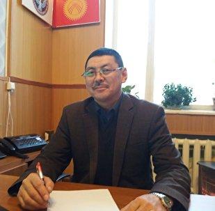 Дин иштери боюнча мамлекеттик комиссиясынын түштүк аймактык бөлүмүнүн башчысы Исакбай Мурзабековдун архивдик сүрөтү