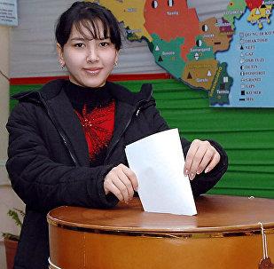 Өзбекстандагы шайлоо. Архивдик сүрөт