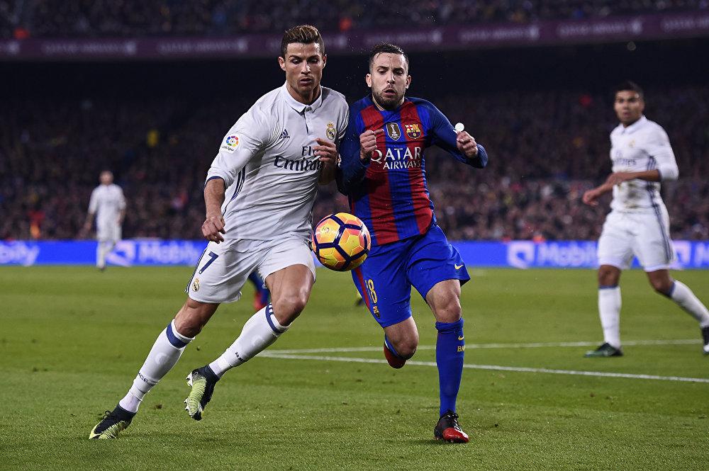 Эль Классико деп аталган Барселона менен Реал Мадрид испан клубдарынын беттешти