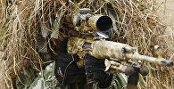 Снайпер на позиции во время учений. Архивное фото