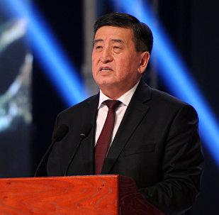 Премьер-министр Сооронбай Жээнбеков филармонияда өткөн Манас күнүнө арналган салтанаттуу иш-чарасында