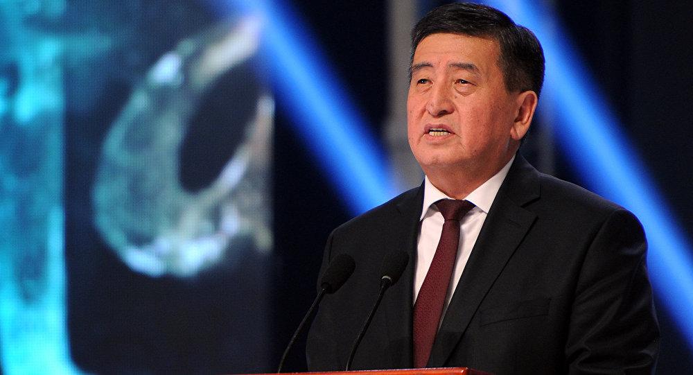 Архивное фото избранного президента Кыргызстана Сооронбая Жээнбекова