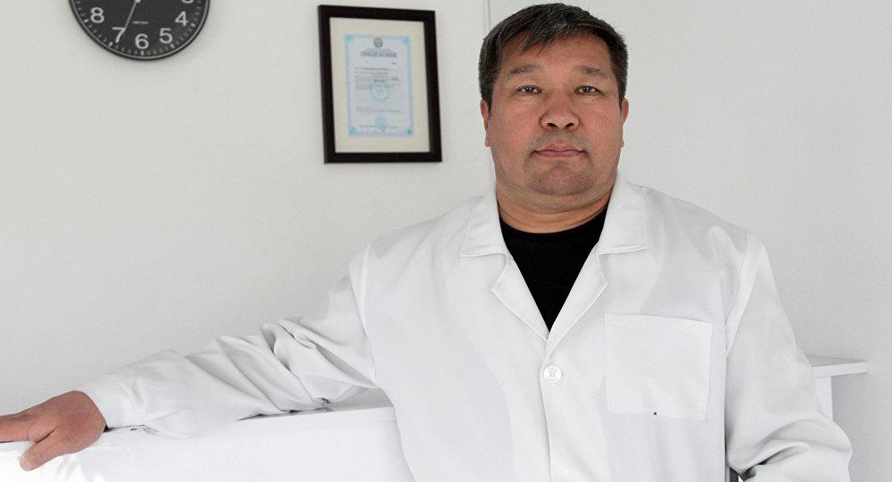 Медицина илимдеринин доктору, уролог-андролог жана сексопатолог Жаныбек Мамбетов