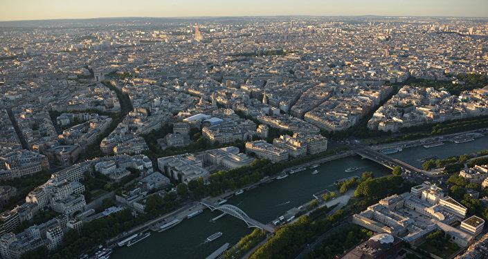 Город Париж. Архивное фото