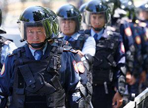 Казакстандын полиция кызматкерлери. Архив