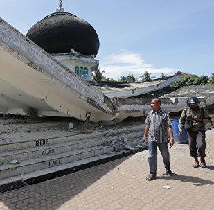 Индонезиядагы жер титирөөнүн кесепети