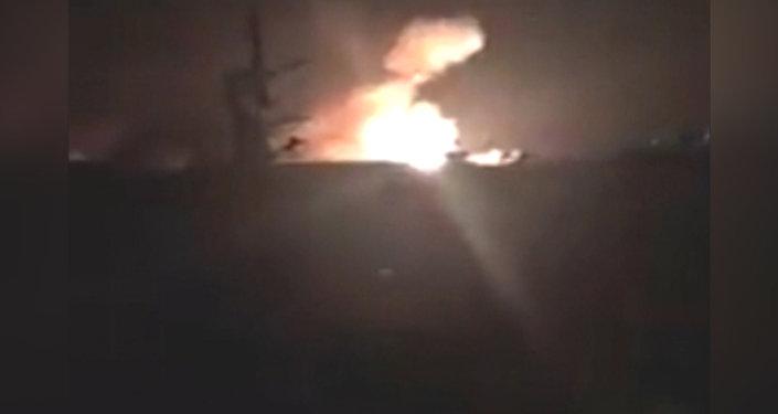 Израильские военные обстреляли ракетами сирийский аэродром под Дамаском. Кадры инцидента