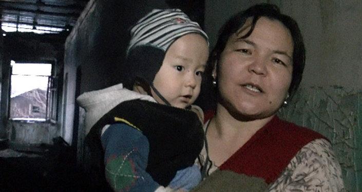 Семья с детьми проводит зиму в мокром доме — последствия пожара в Шопокове