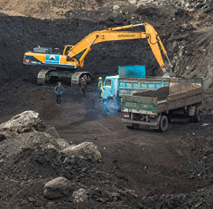 Добыча угля на месторождении Кара-Кече. Архивное фото