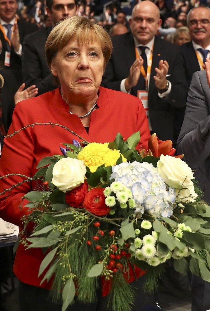 Христиан-демократиялык партиянын төрайымдыгына кайрадан шайланган Ангела Меркелдин реакциясы
