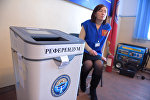 Урна на выборах в местные кенеши и референдум на избирательном участке №7196 в селе Арашан Аламудунского района Чуйской области